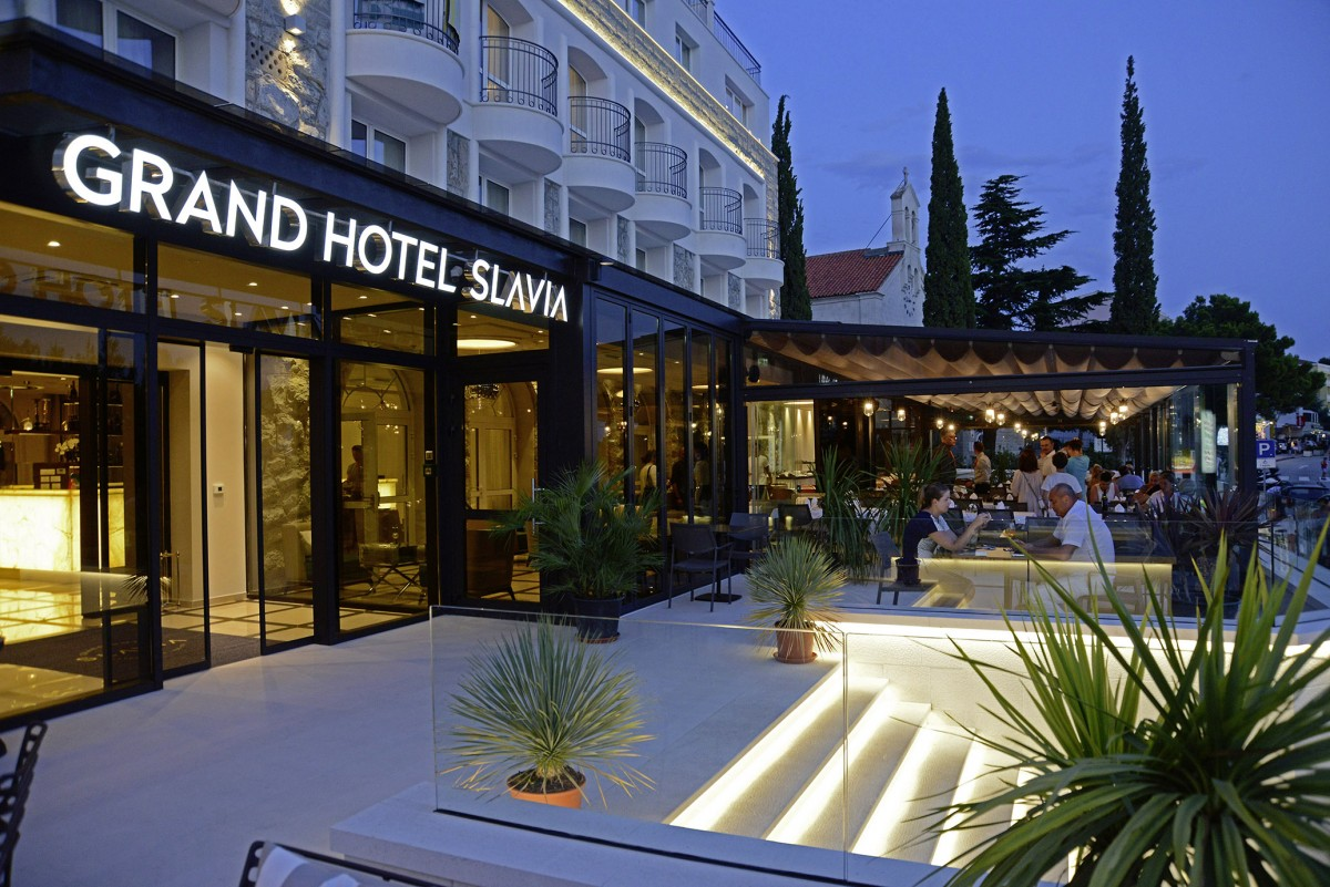 Grand Hotel Slavia In Baska Voda Dalmatien Kroatien I D Riva Tours